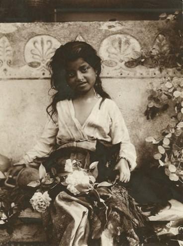 Винтажная картинка девочка и кошка