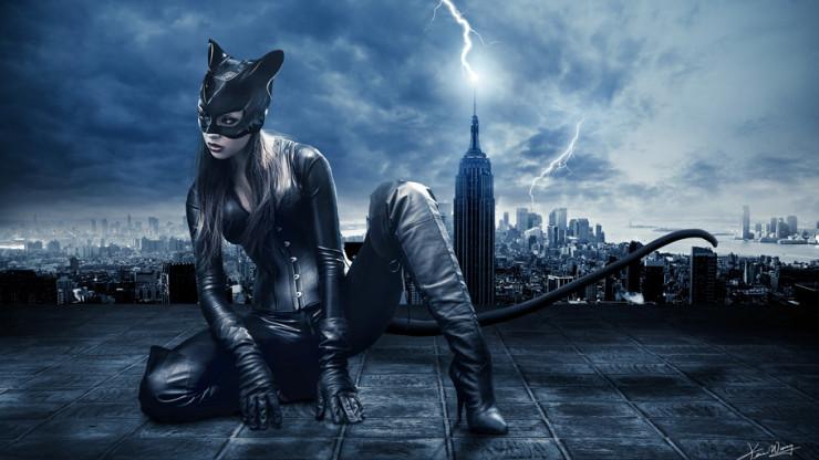 Женщина — кошка на крыше